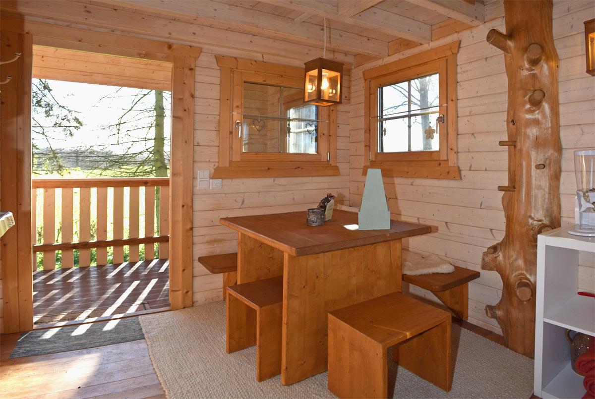 baumhaus wiesenhaus baumhotel auszeit urlaub im baumhaus bayern ferien bernachten natur. Black Bedroom Furniture Sets. Home Design Ideas